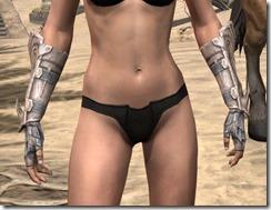 Fanged Worm Heavy Gauntlets - Female Front