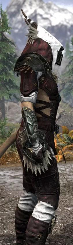 Wayward Guardian Medium - Khajiit Female Close Side