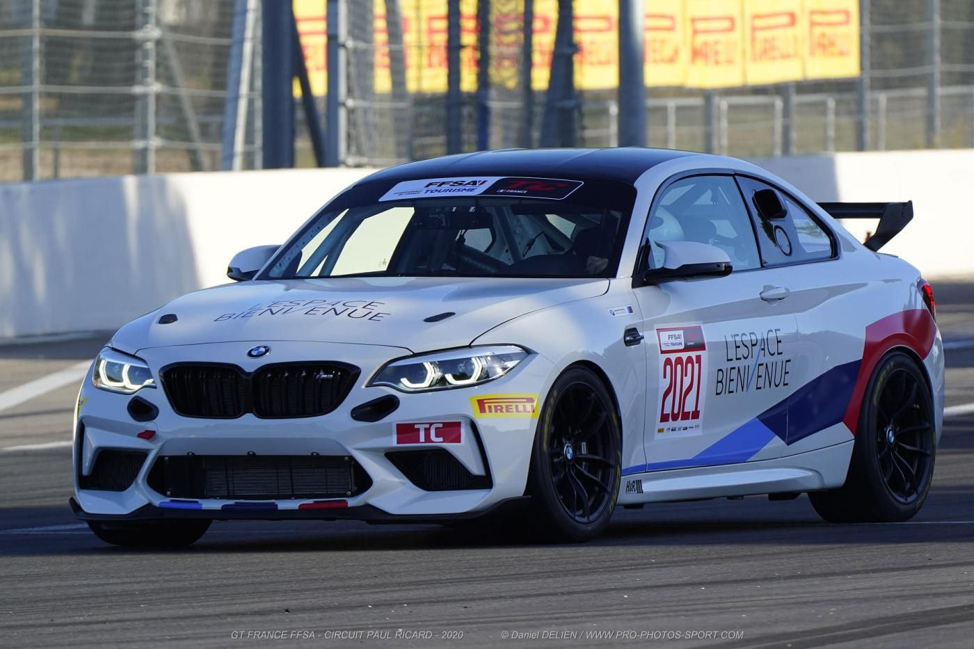 BMW M2 CS Racing au circuit Paul Ricard