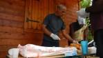 préparation des sandwiches pour la collation d'après randonnée