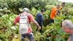 le groupe de randonneurs aacn quitte le sommet de la madeleine