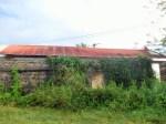 Ruines de hangar à Douillard