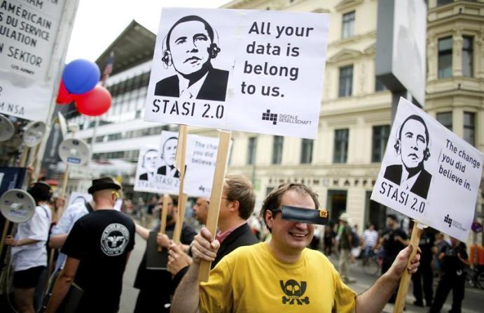 Ciudadanos alemanes protestan en Berlín por el espionaje de EE.UU. ©AFP