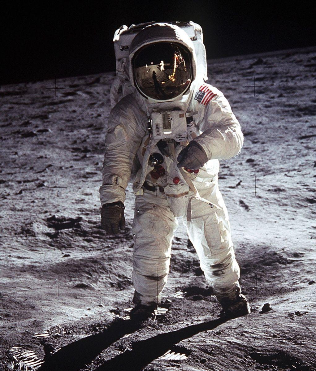 Buzz Aldrin caminando por la Luna