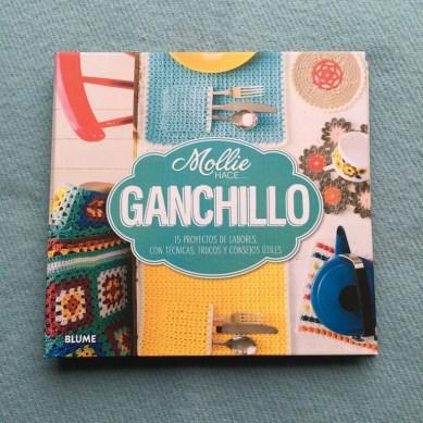Mollie Makes hace ganchillo