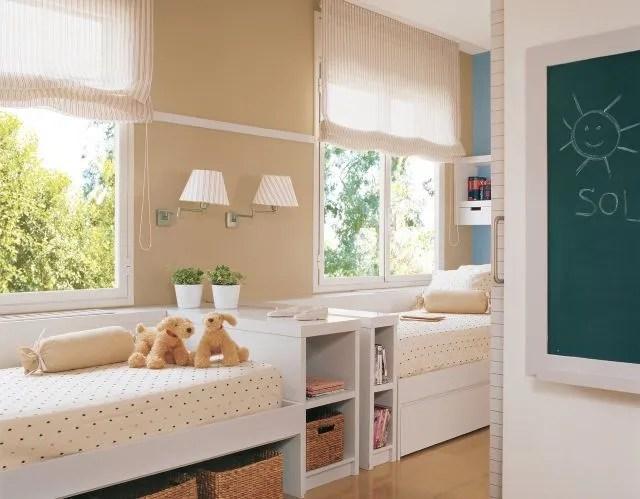decoracion-dormitorios-ninos-cama-debajo-ventana-ganar-espacio