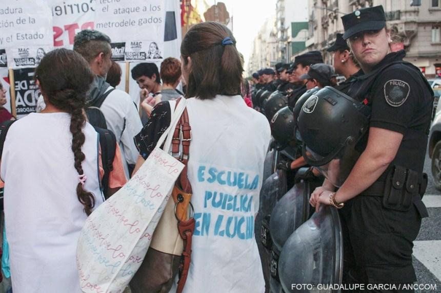 policias y docentes1