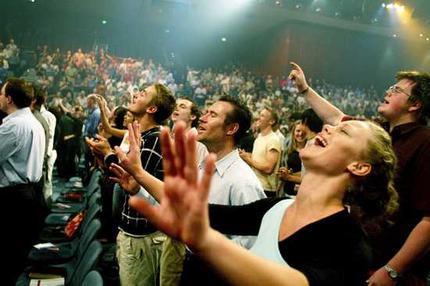 Resultado de imagem para imagens sobre as igrejas evangélicas