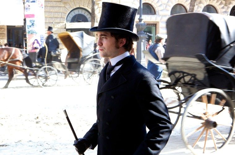 bel-ami-robert-pattinson-suit-and-hat
