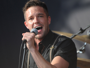 brandon-flowers-the-killers-640x480