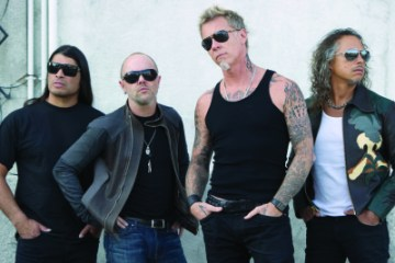metallica-2013-group-photo-400x300