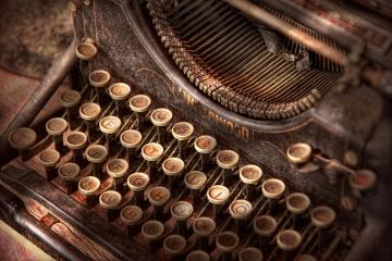 steampunk-typewriter-too-tuckered-to-type-mike-savad