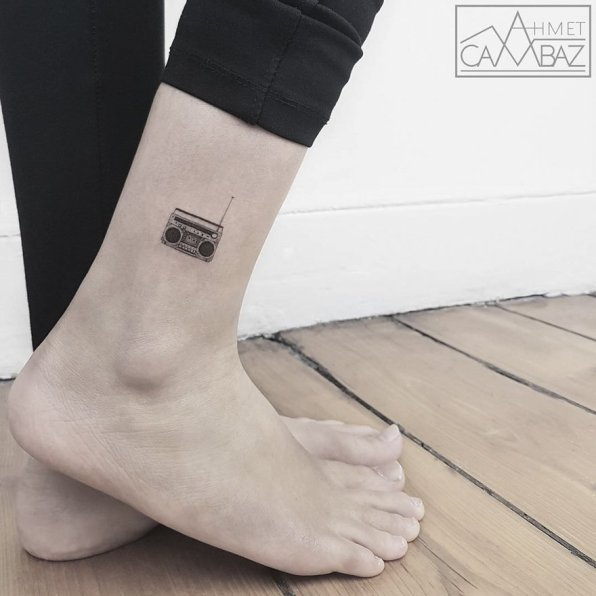 minimalist-simple-tattoos-ahmet-cambaz-12-59a3b86892bba__880