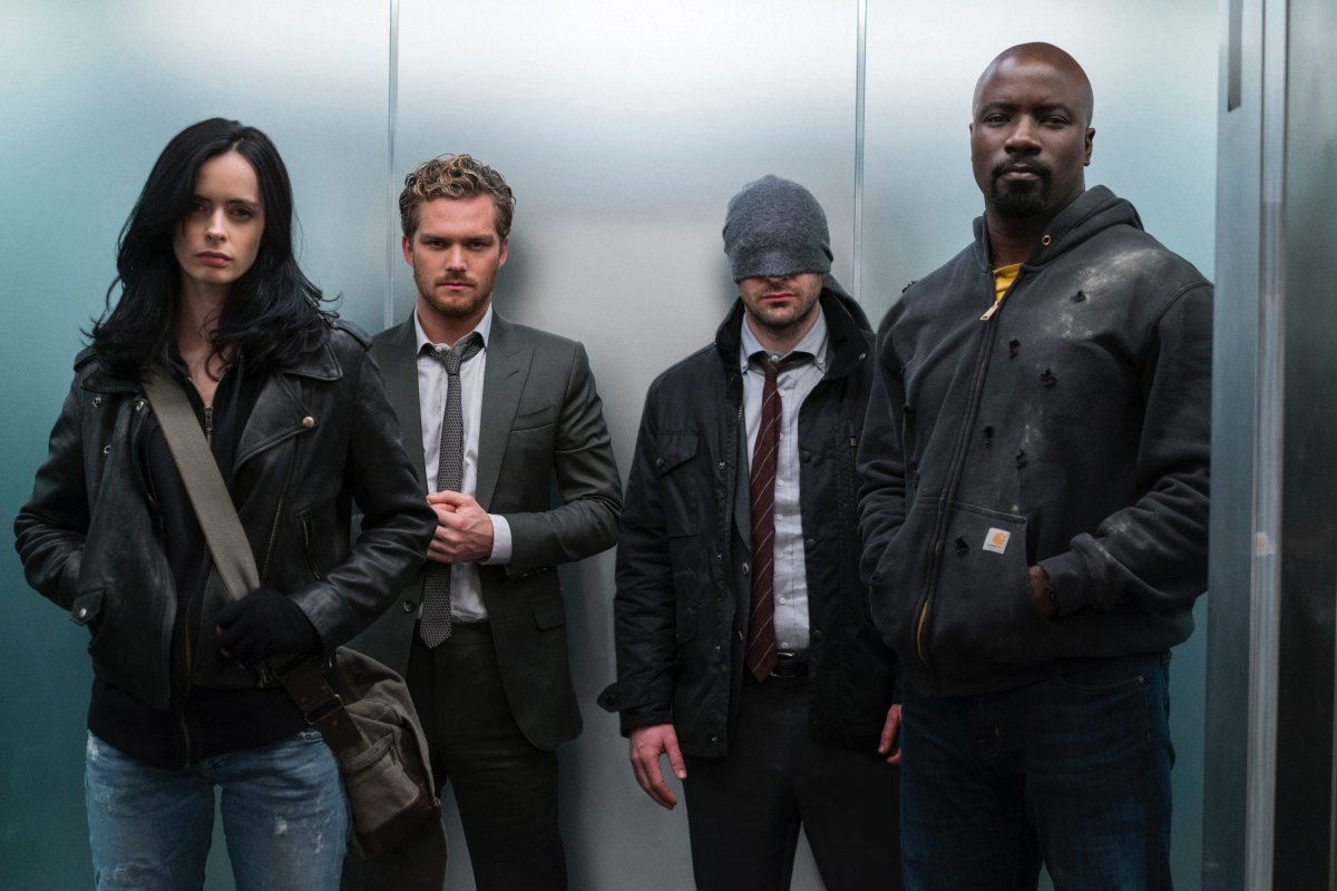 Jessica Jones, Danny Rand, Daredevil e Luke Cage em The Defenders