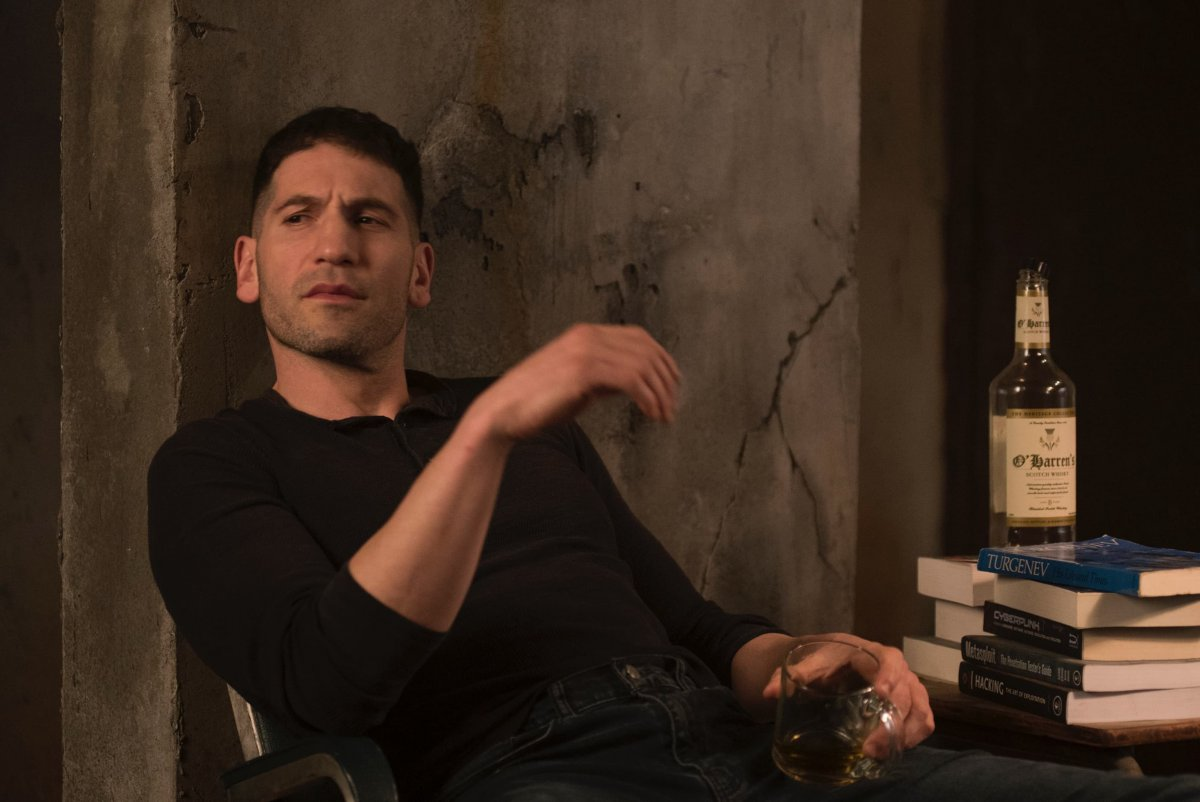 Frank Castle (Jon Bernthal) em The Punisher
