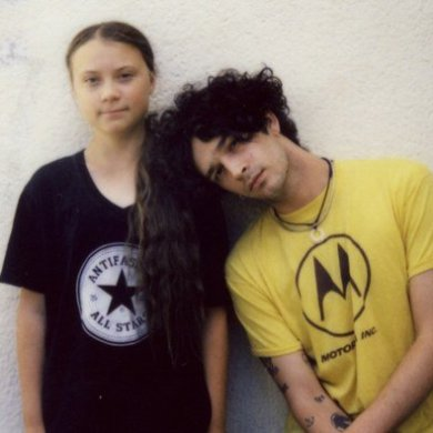 Greta Thunberg e Matty Healy (The 1975)