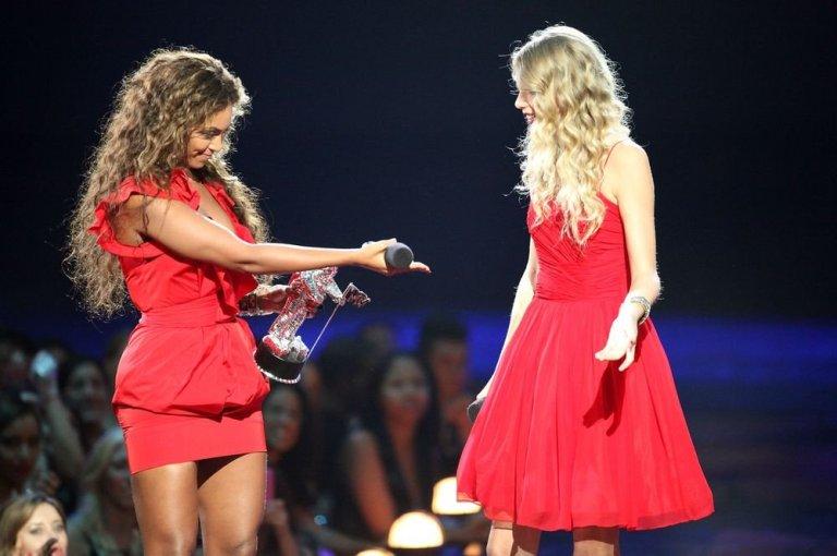 Taylor Swift e Beyoncé, VMA 2009