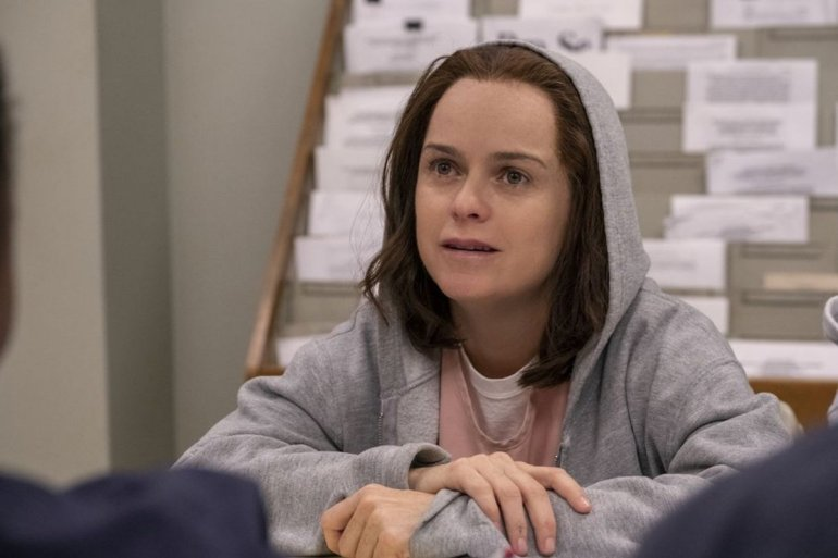 Taryn Manning interpreta Tiffany Doggett em Orange is The New Black