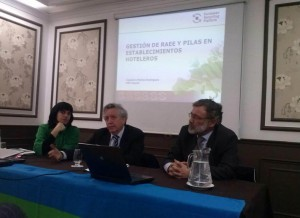 Ana Pérez Montero (Llave verde), José Dánchez Moro (ADEAC) y Matías Rodrigues (ERP España)