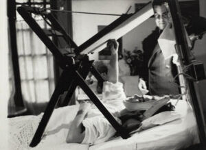 Frida Kahlo engessada