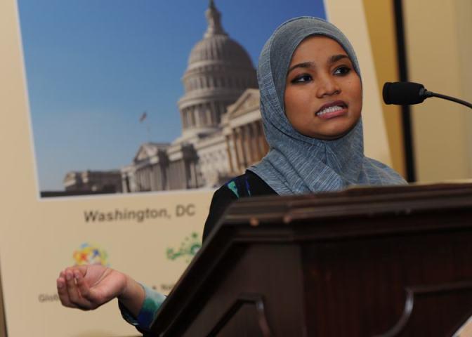 Srita: Emira Soleha Ramli, estudiante de la Universidad Syracuse.