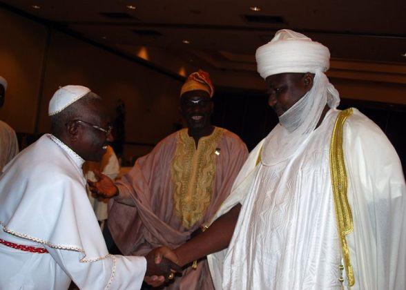 """La reciente consultoría de alto nivel realizada en Nigeria por líderes religiosos y tribales en mayo de 2013, """"El Rol de los Líderes Religiosos y Dirigentes Tradicionales en la Construcción de una Cultura de Paz, Unidad Nacional e Integración."""""""