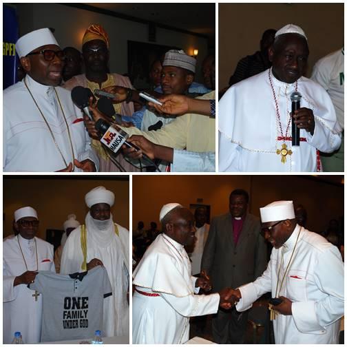 """Lideres religiosos y tradicionales en la Consultoria de alto nivel acerca de la unidad nacional en Nigeria concluyó que todas las personas son """"una familia bajo Dios."""""""