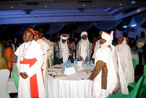 Lideres interreligiosos participando en el Global Peace Leadership Conference Nigeria