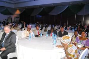 Representantes de medios de comunicación, educación, negocios, religión, gobierno y sociedad civil fueron reunidos en la Conferencia de Liderazgo Paz Global Nigeria 2013