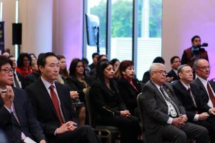 """La audiencia se deleita con la experiencia de los líderes gubernamentales y empresariales durante el Simposio Internacional: """"Hacia una Alianza entre Paraguay y Corea"""""""