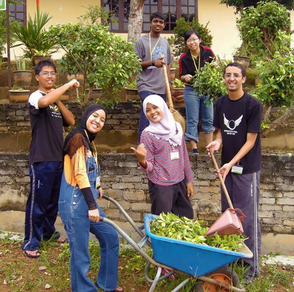 Global Peace Volunteers usan el servicio para hacer constructores de paz en Asia Pacífica