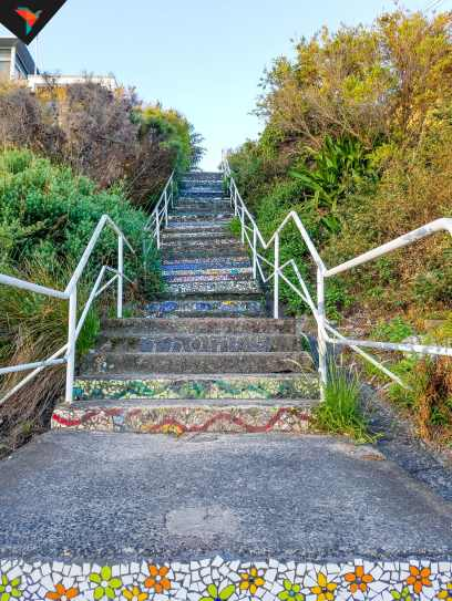 Escaleras con mosaicos en Coogee