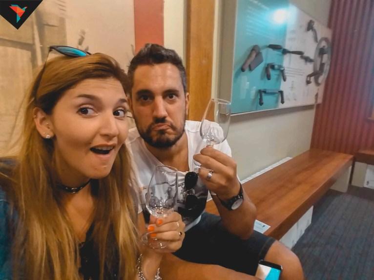 ¡Se nos acabó el vino de la copa!