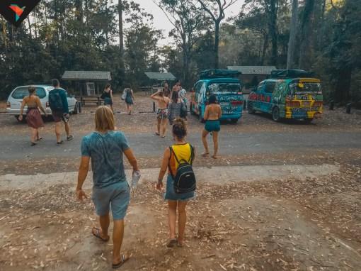 Cientos de turistas visitan las falls