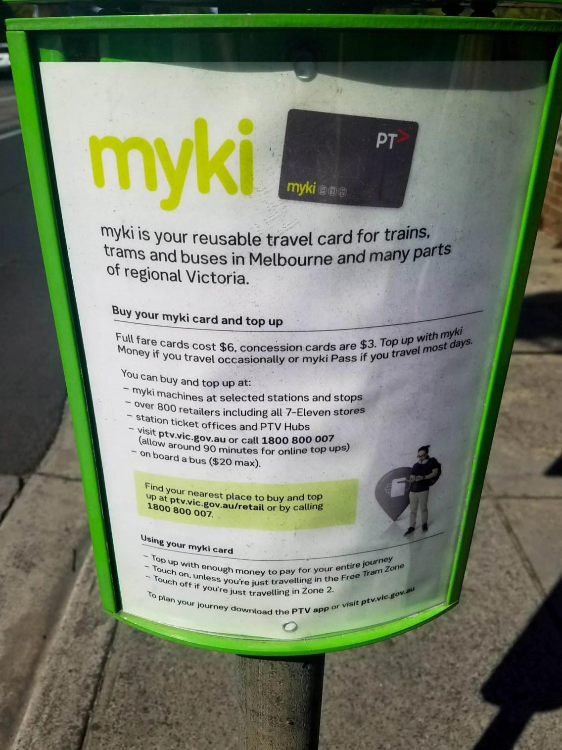 Cartel en Melbourne Australia sobre tarjeta miky card