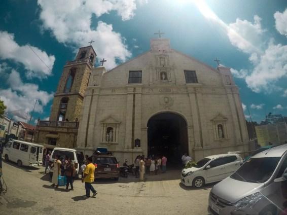 Un casamiento en la iglesia de Bantayan Town