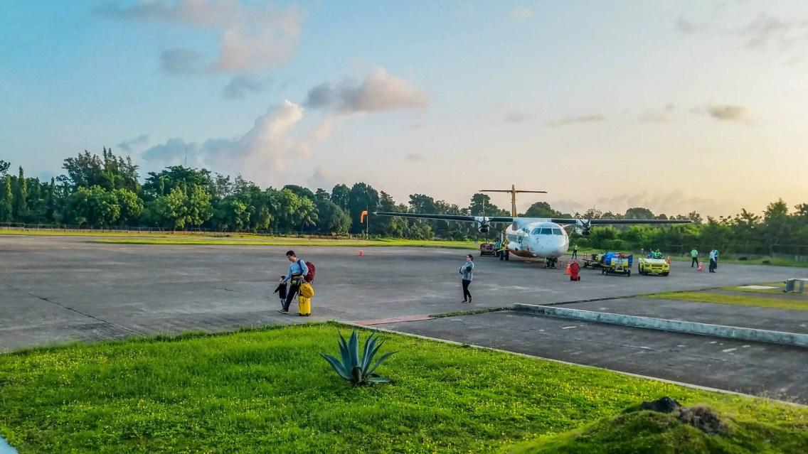 Avion aeropuerto Camiguin