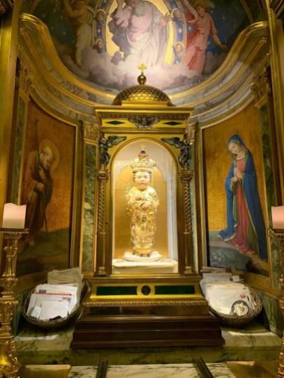Niño Jesús tallado en madera de Oliva