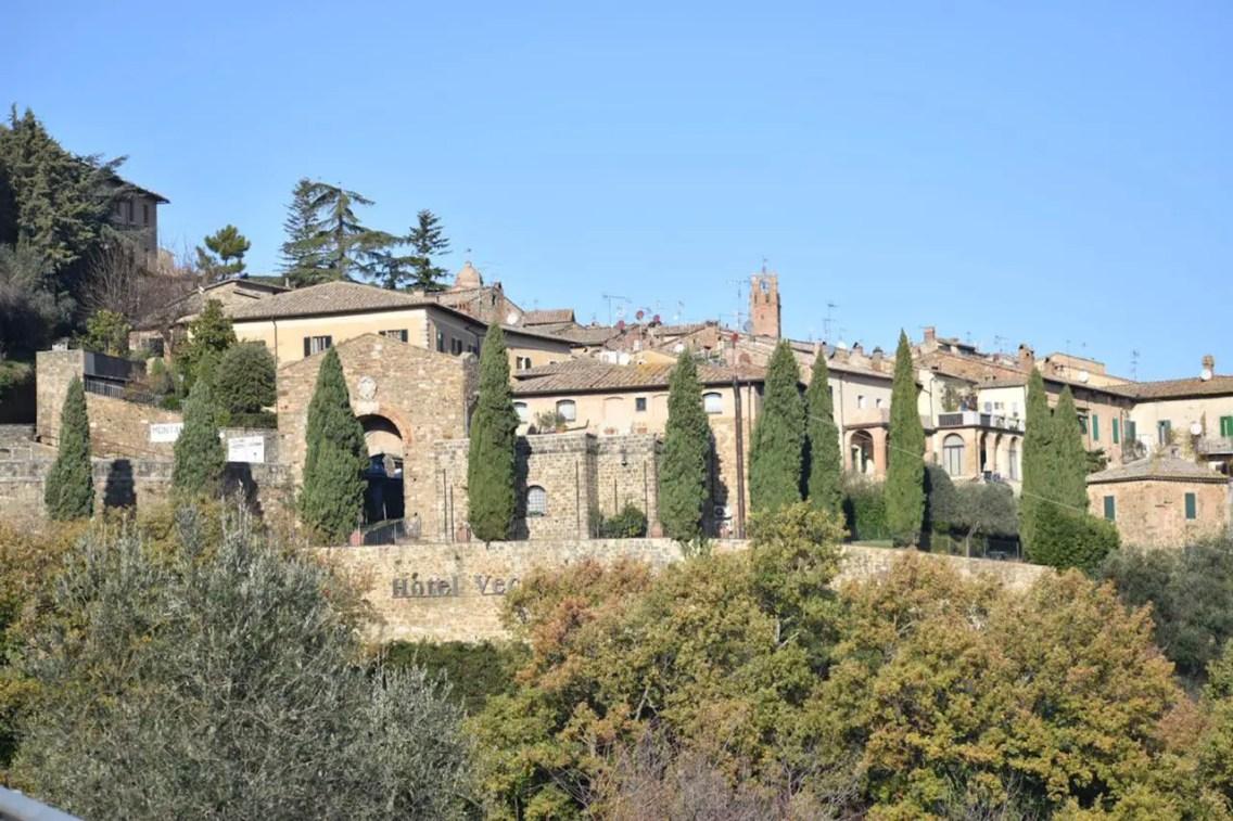 Montalcino pueblo de la Toscana