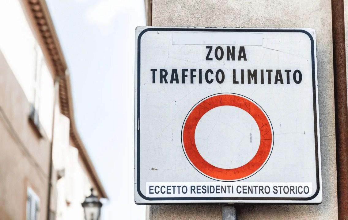 alquilar-coche-en-italia (1) (1)