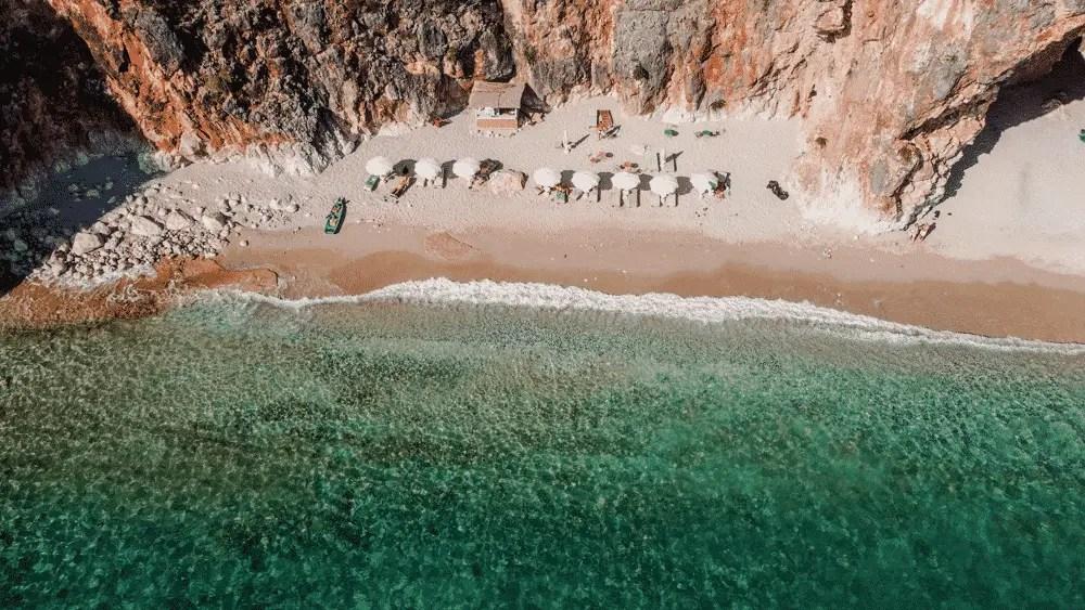 playas de la riviera albana