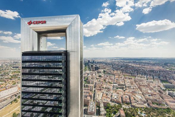 Vista de la torre Cepsa, en Madrid.