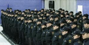 EL MINISTRO DE INTERIOR PRESENTA A LOS NUEVOS OFICIALES DEL CUERPO NACIONAL DE POLICÍA