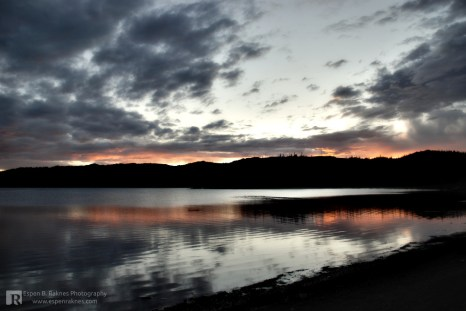 Crimson sunset by Svartvatnet