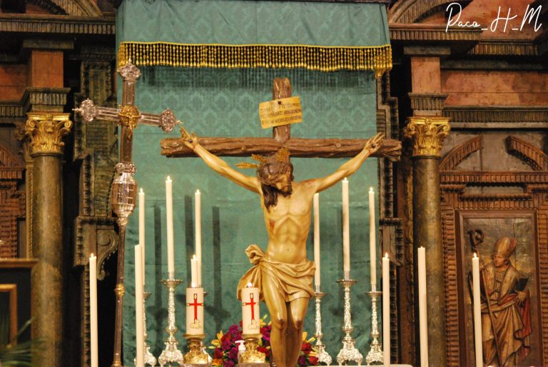 Altar efímero al Santísimo Cristo de la Providencia durante la celebración de su Triduo en el año 2021.