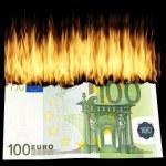 Symbolbild Geld brennt Umtauschkurs Bargeld Buchgeld Abwertung Realität?