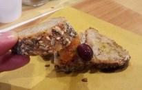 Farro con semi, insalata di arance, aneto e olive di Gaeta