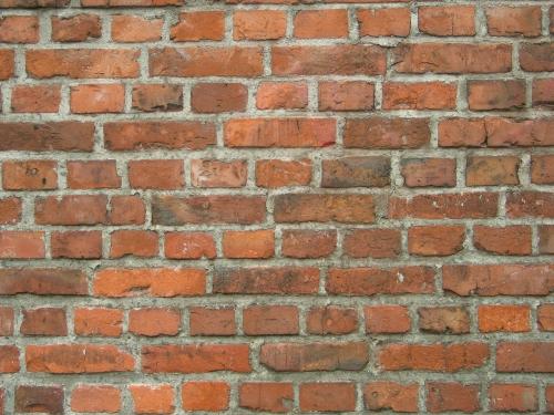 costruire in laterizio - Un muro in mattone pieno di 50cm contro il caldo estivo 34