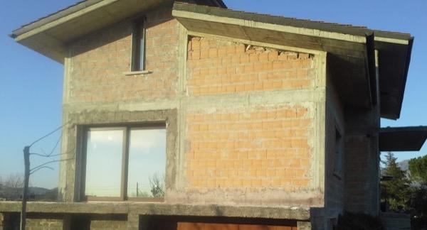 2013: definizione stratigrafie intonaci interni ed esterni edificio al grezzo, attenuazione ponti termici, schema VMC decentralizzata Tivoli ROMA Gradi Giorno 1580 Zona Climatica D