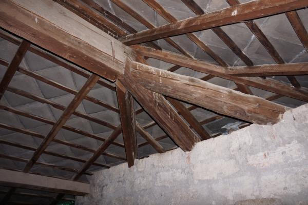 2013: valutazioni stratigrafie coibentazione tetto BARI Gradi Giorno 1185 Zona Climatica C